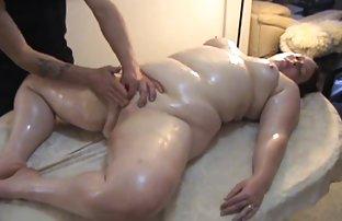 安妮*凯莉莫斯裸体按摩立和奶